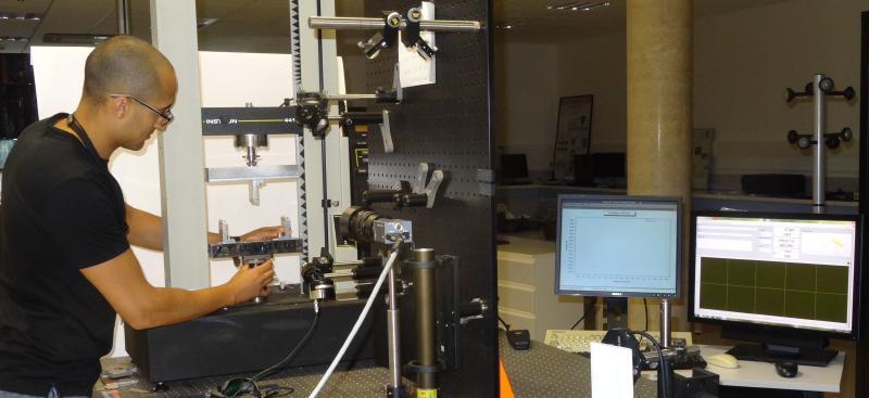 instron 5kn tensile test machine
